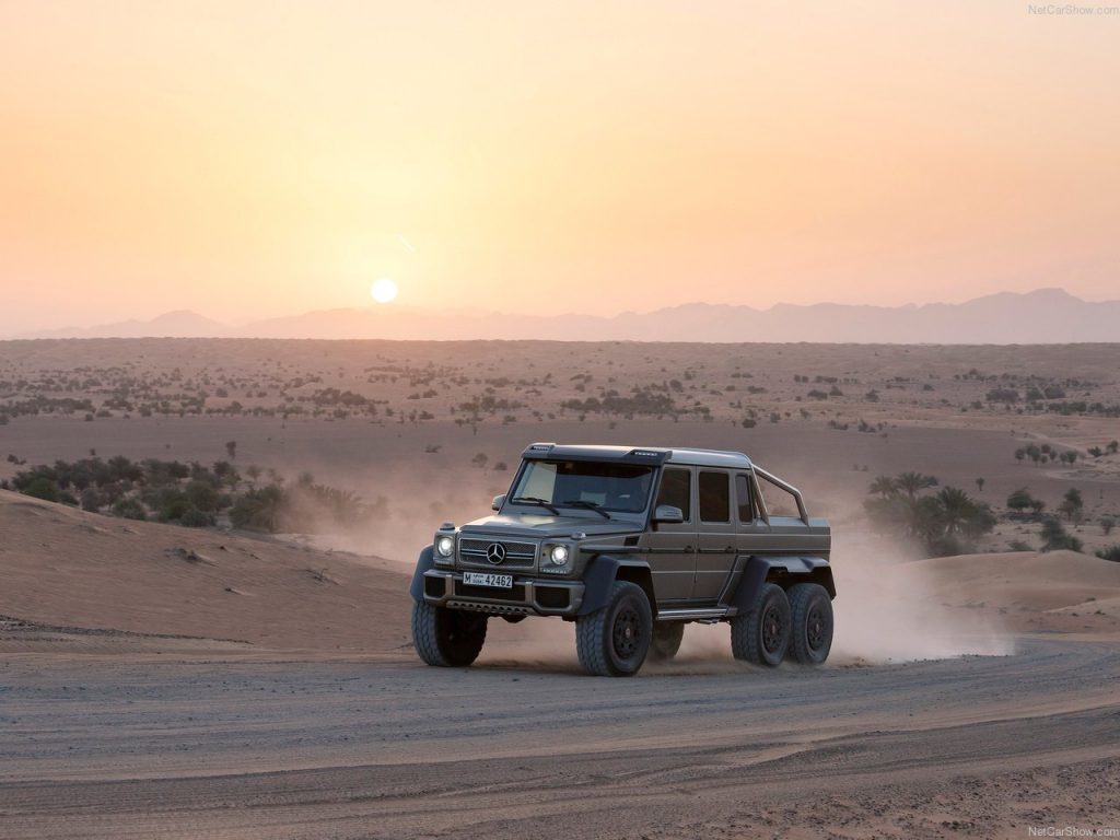 Chineses fazem imitação descarada de Mercedes de 6 rodas