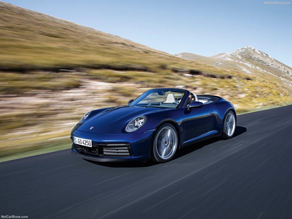 Porsche 911 Carrera 4S Cabriolet e os 450 cavalos que o tornam tão apelativo