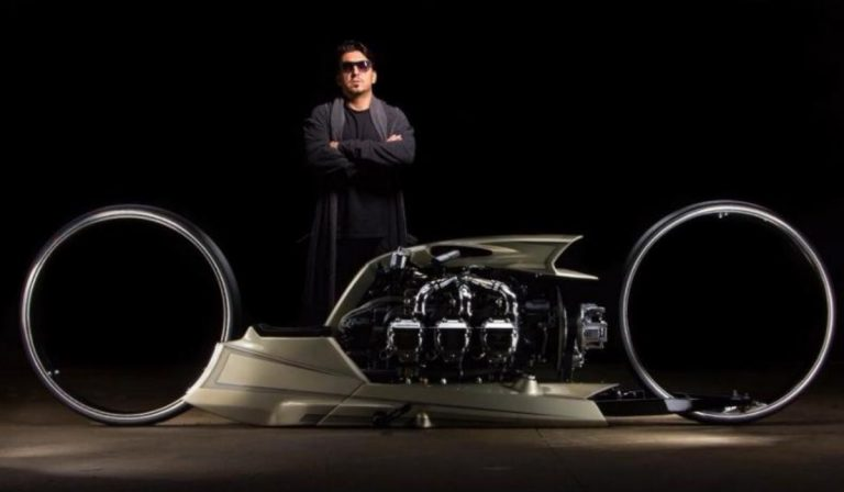 Das pistas F1 para as motas com motor de helicóptero