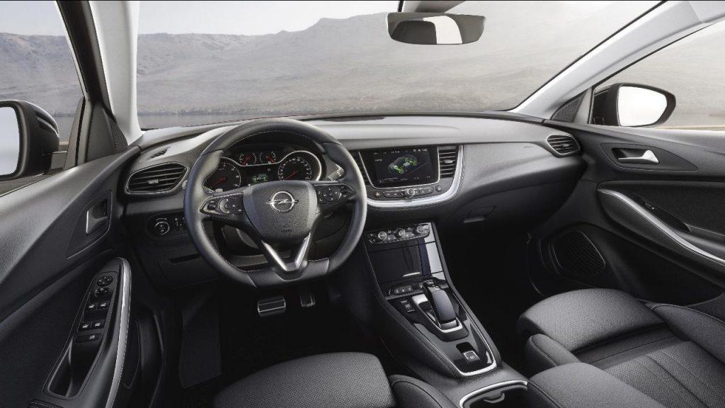 Grandland X Hybrid4 é o topo de gama dos SUV da Opel