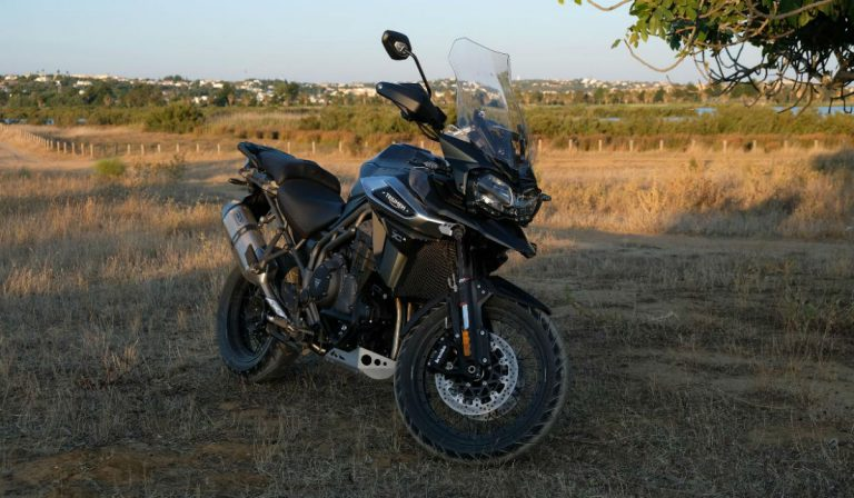 Triumph Tiger 1200 XCA, O olho do tigre