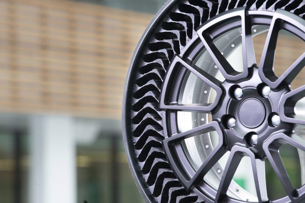Michelin apresenta protótipo de pneu que dispensa ar