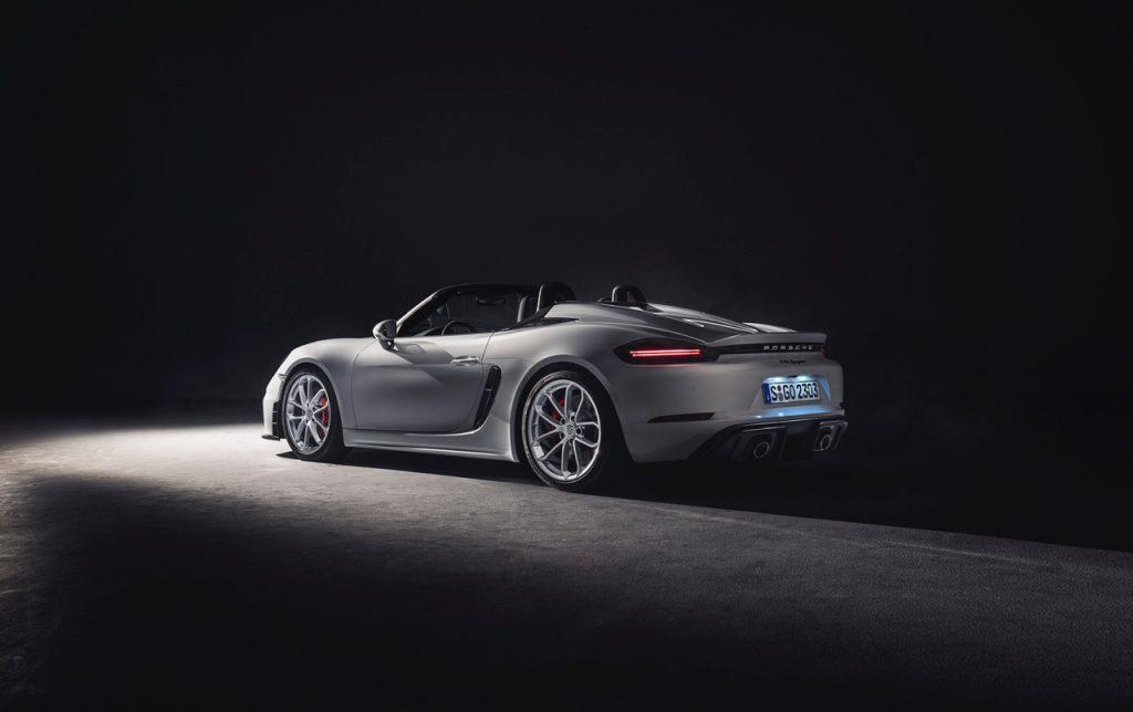 Porsche apresenta novos desportivos em dose dupla