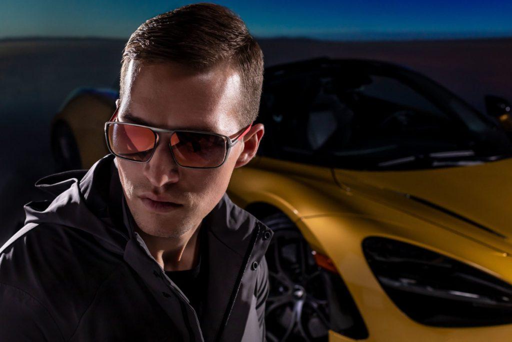 McLaren acelera dos supercarros até aos óculos de sol