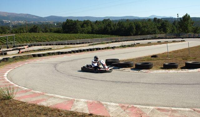 Dez locais onde pode conduzir um kart em Portugal