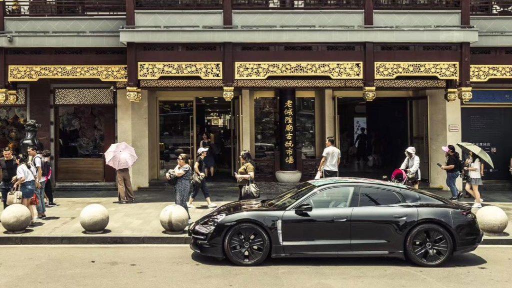 Porsche Taycan inicia digressão em Xangai