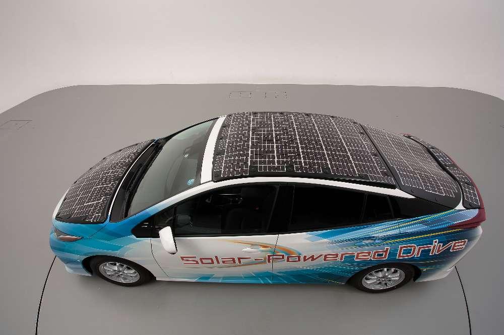 Toyota melhora Prius Plug-in com mais painéis solares