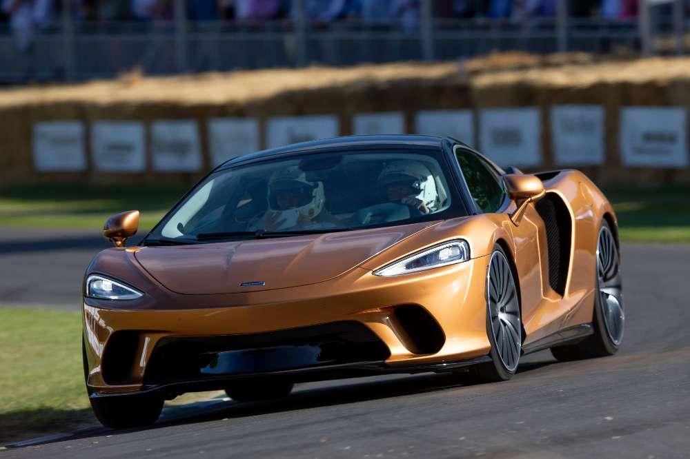 McLaren GT demonstra as suas capacidades em Goodwood