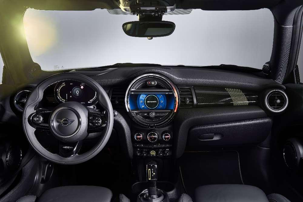 Mini entra no mercado dos elétricos com o novo Cooper SE