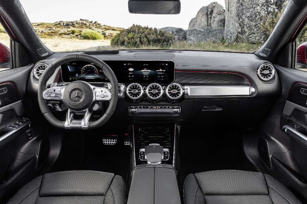 Mercedes GLB 35, o primeiro AMG compacto com sete lugares