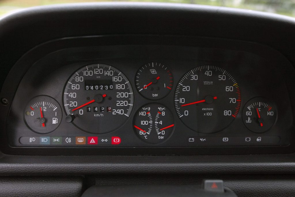 Fiat Uno Turbo i.e., o pequeno diabo com rodas
