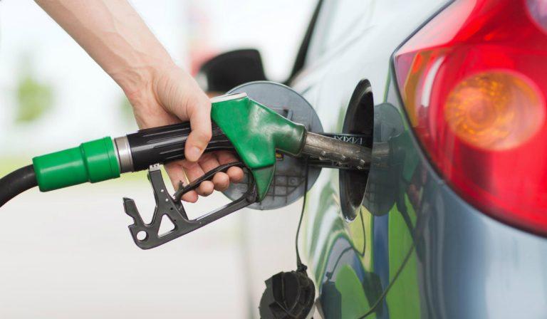 Waze mostra onde estão os postos de combustível de emergência