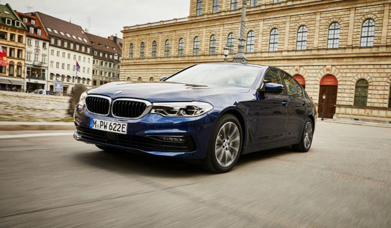 Renovado BMW 530e com mais autonomia elétrica e uma nova versão