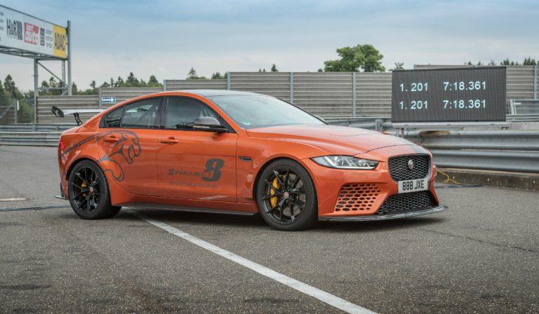 Jaguar XE SV Project 8 bate o seu próprio recorde em Nurburgring