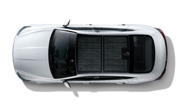 Hyundai apresenta primeiro modelo com carregamento solar