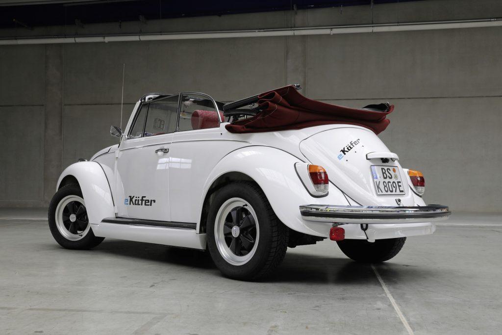 Volkswagen Beetle alterado recebe motor elétrico do e-Up!