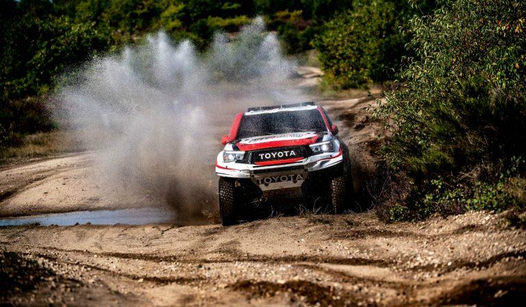 Fernando Alonso continua a testar a Toyota Hilux para o Dakar 2020