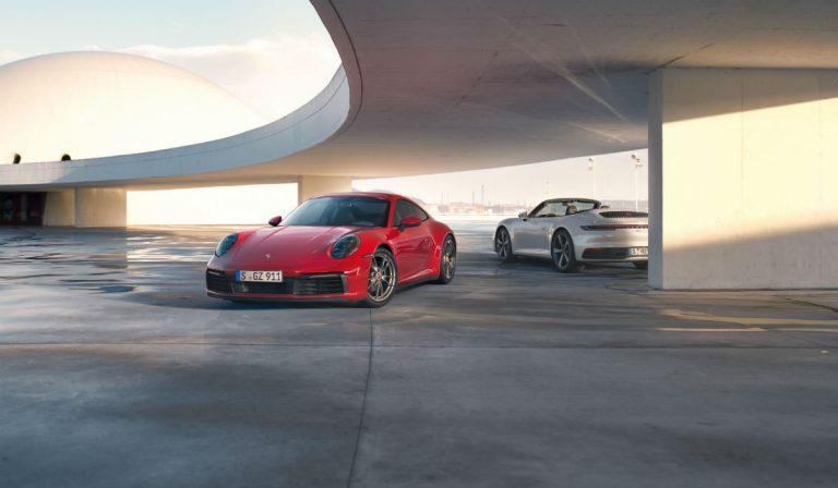Porsche apresenta novos 911 Carrera 4 Coupé e Cabriolet