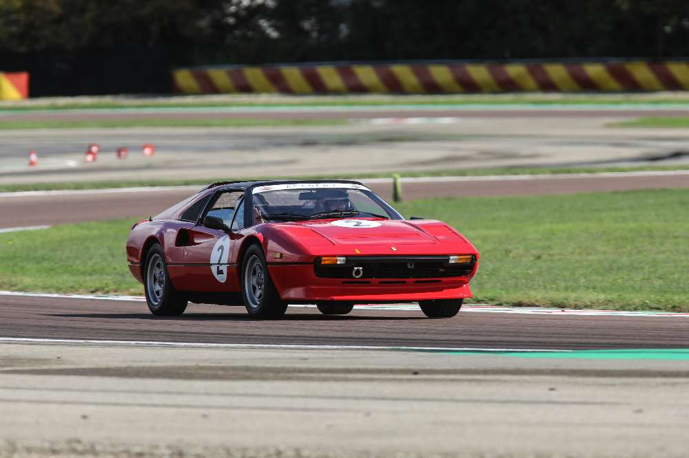 Ferrari Classiche Academy, o evento que ensina a conduzir clássicos