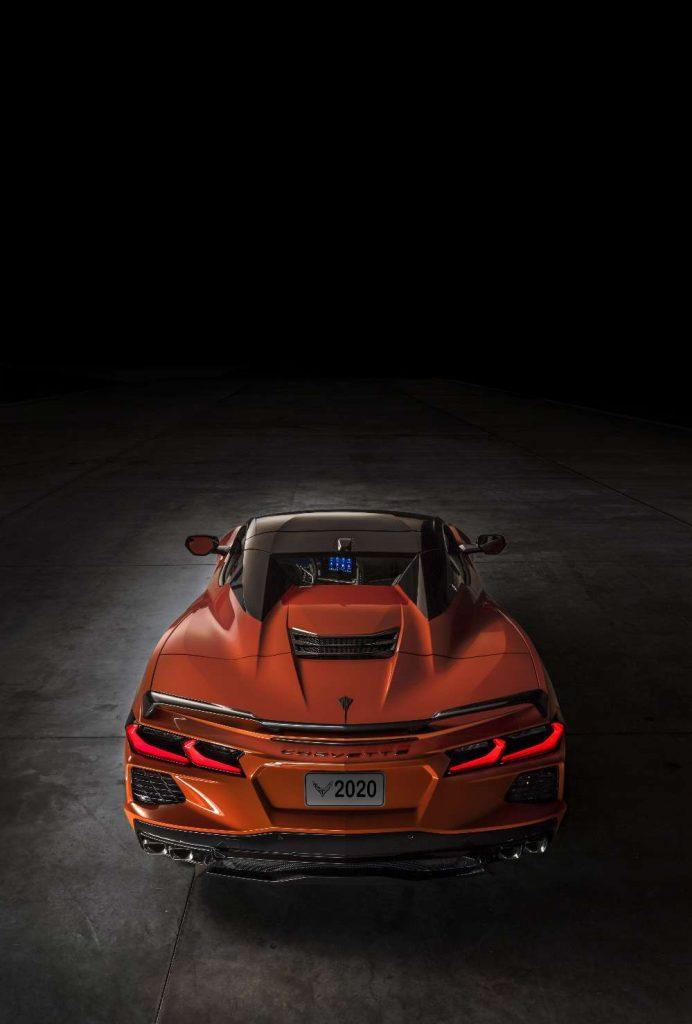 Chevrolet Corvette perde a capota e mantém tradição com mais de 50 anos