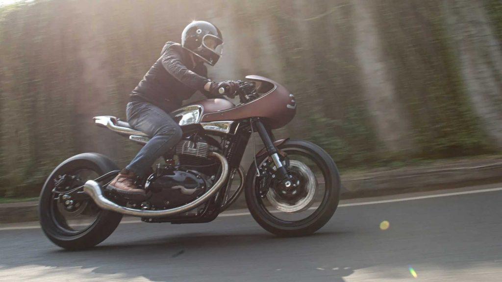 Esta Royal Enfield cafe racer é inspirada no estilo dos anos 60