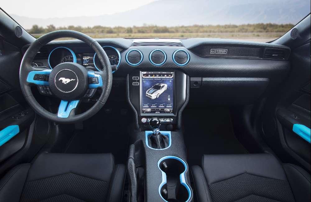 Ford apresenta Mustang elétrico com 900 cv e caixa manual