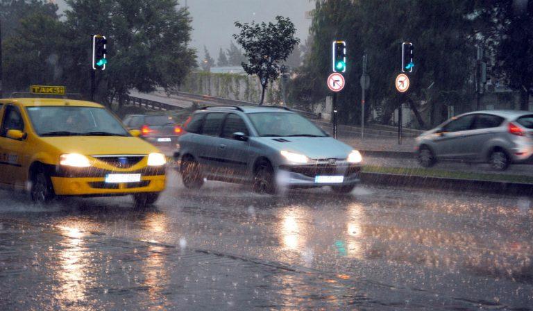 4 dicas para conduzir à chuva em segurança e evitar acidentes