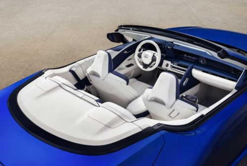Lexus apresenta LC 500 descapotável em Los Angeles