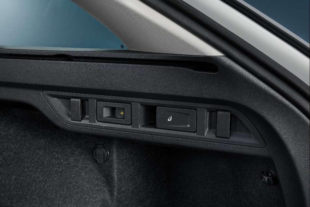 Novo Skoda Octavia reforça tecnologia e ganha híbrido plug-in