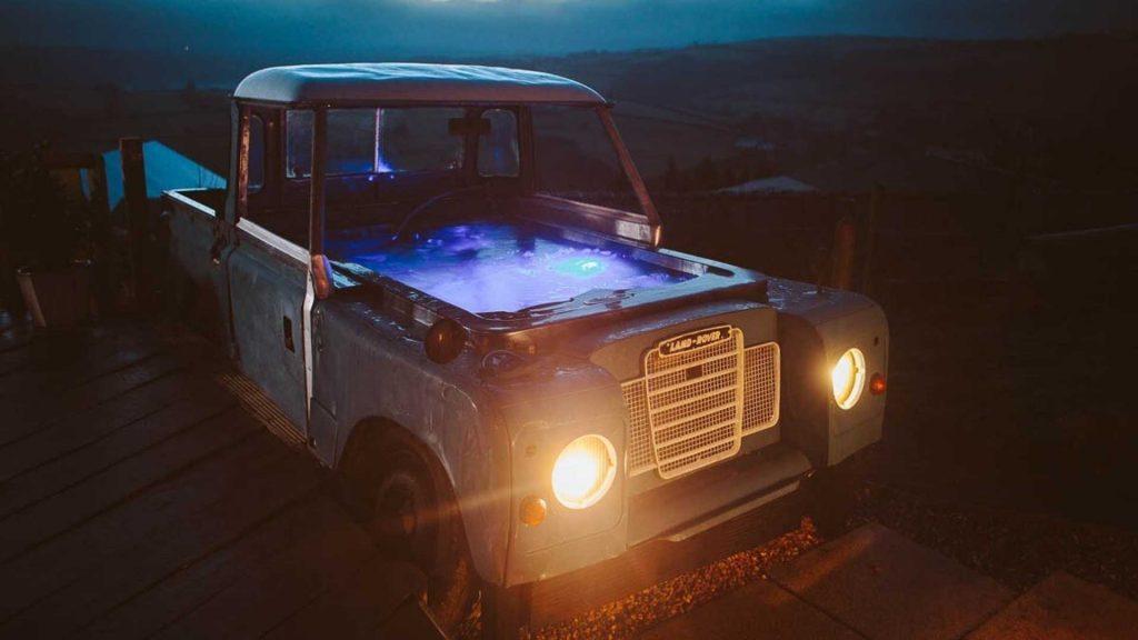 Land Rover ganha nova vida como jacuzzi e pode ser alugado no Airbnb