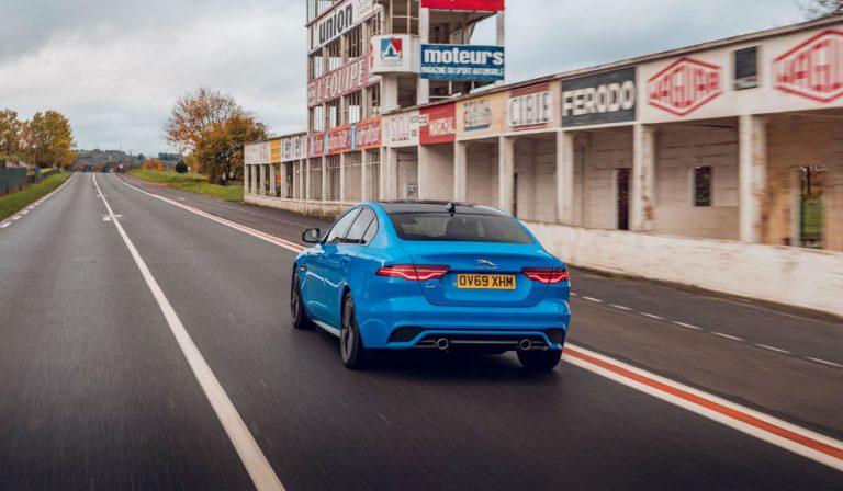 Jaguar XE Reims Edition presta homenagem à tradição desportiva da marca