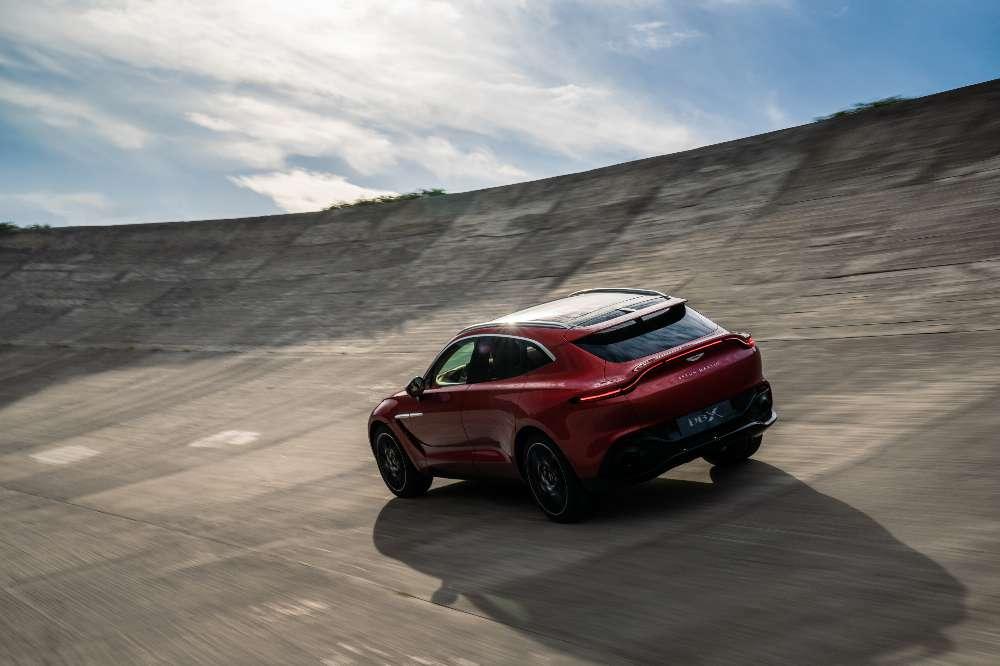 Aston Martin tem plano de vendas ambicioso para o novo DBX