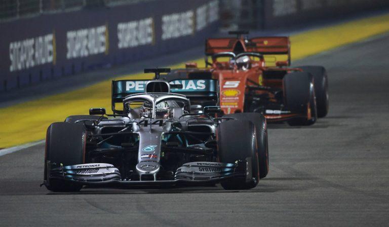Lewis Hamilton mantém mistério sobre o futuro na Fórmula 1