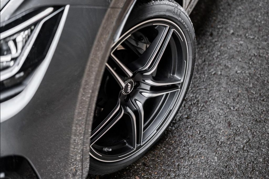 Volkswagen Touareg ganha jantes de 22 polegadas e chega aos 500 cavalos