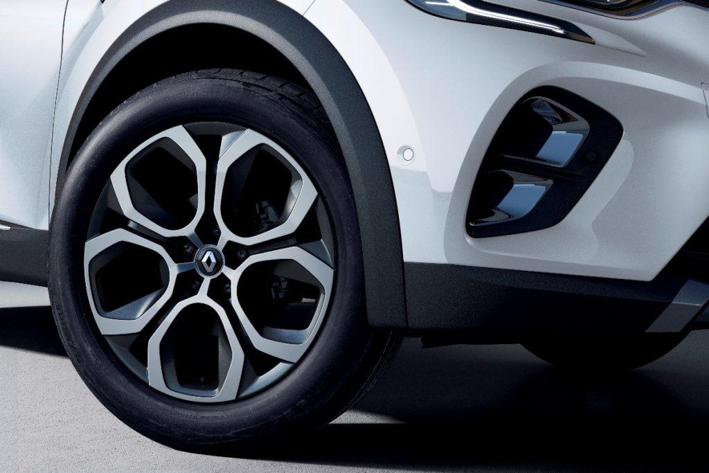 Renault apresenta novas versões híbridas do Captur e Clio