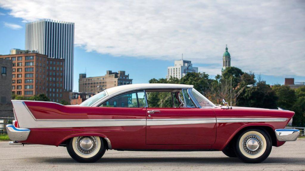 Christine, o carro assassino que virou estrela de cinema vai a leilão