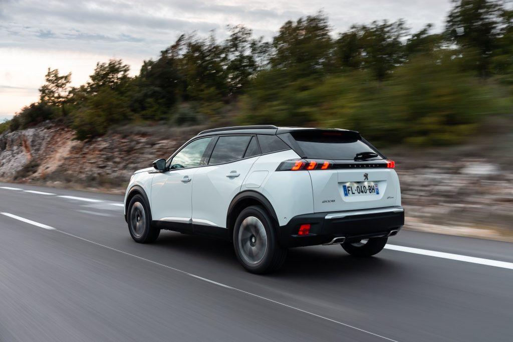 Novo Peugeot 2008 chega a Portugal com mais argumentos tecnológicos