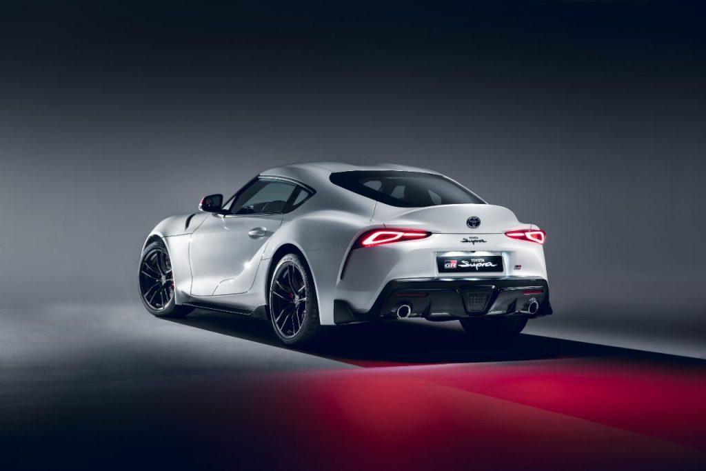 Toyota GR Supra passa a contar com novo motor de dois litros