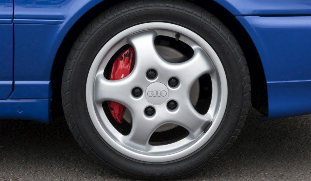Audi RS2, a carrinha desportiva com um toque de Porsche