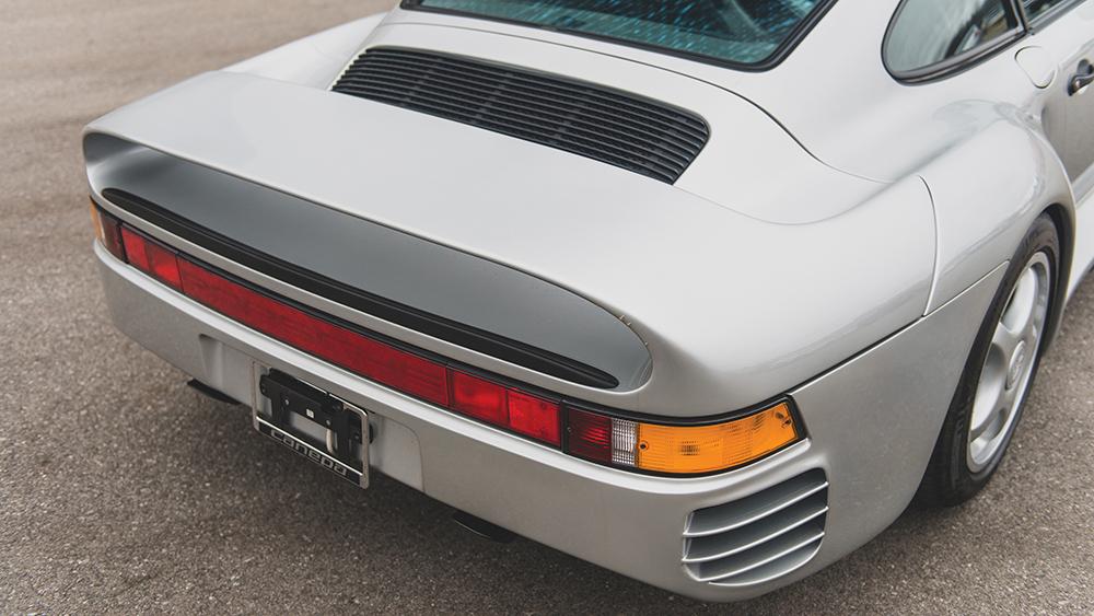 Porsche 959, um dos primeiros supercarros da marca alemã que ainda impressiona