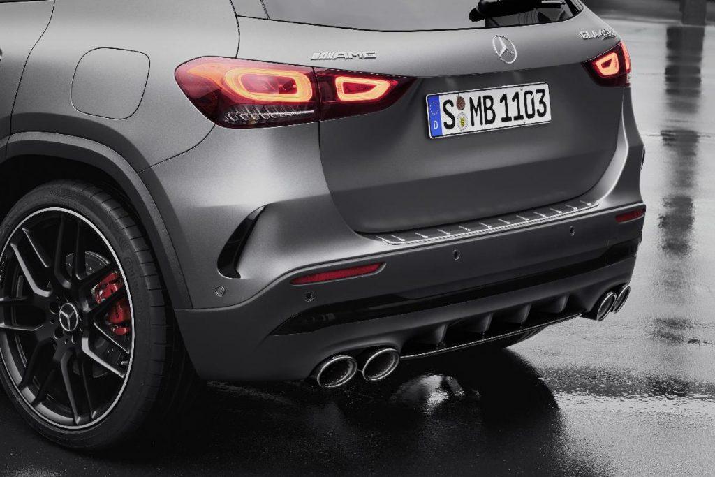 Mercedes-AMG GLA 45 tem motor quatro cilindros mais potente do mundo