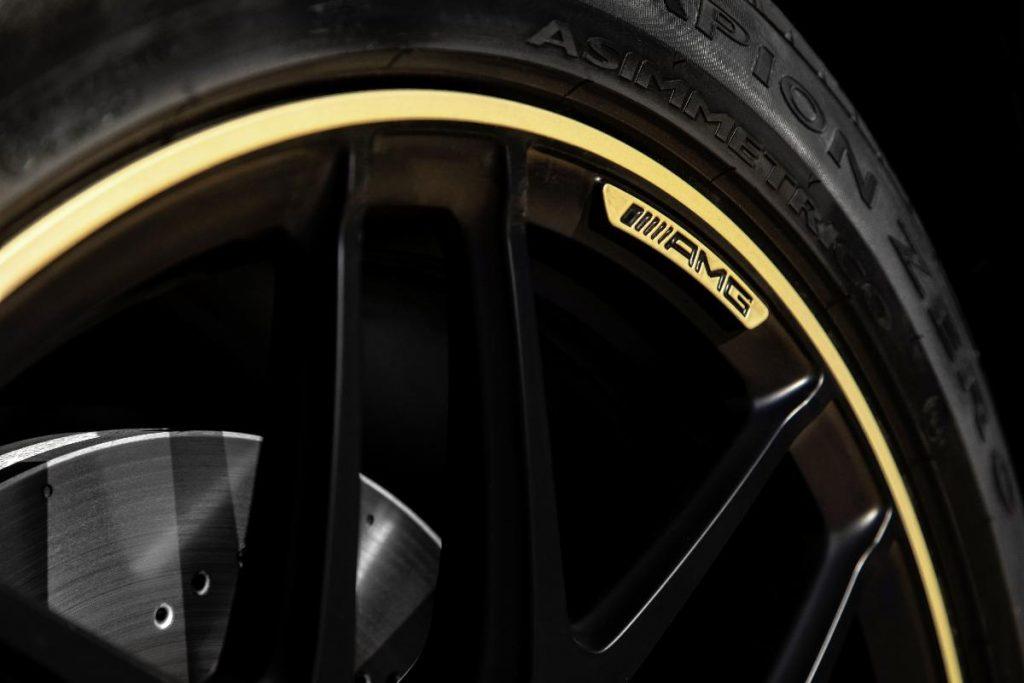 Mercedes apresenta barco de luxo que vem com um G63 a condizer