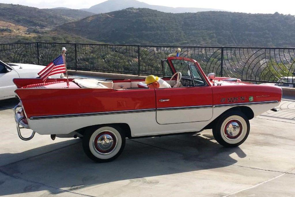 Amphicar 770, o automóvel que anda na terra e na água