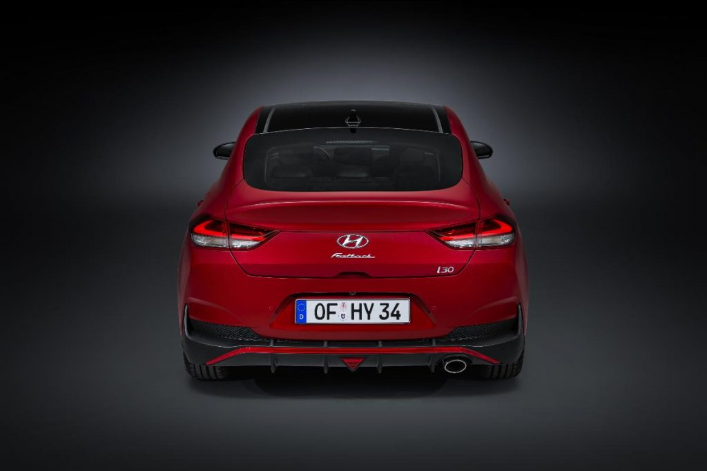 Novo Hyundai i30 apresenta-se com mais tecnologia e versões híbridas
