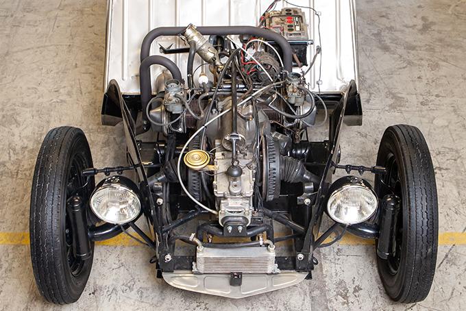Preparador finlandês torna o Citroën 2CV num verdadeiro hot rod