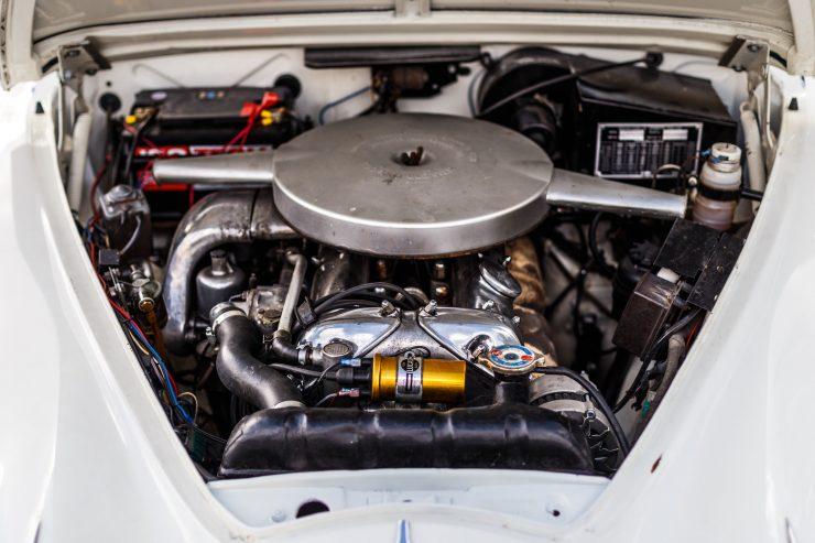 Jaguar Mark 2, a berlina de luxo com argumentos desportivos que seduzia ladrões