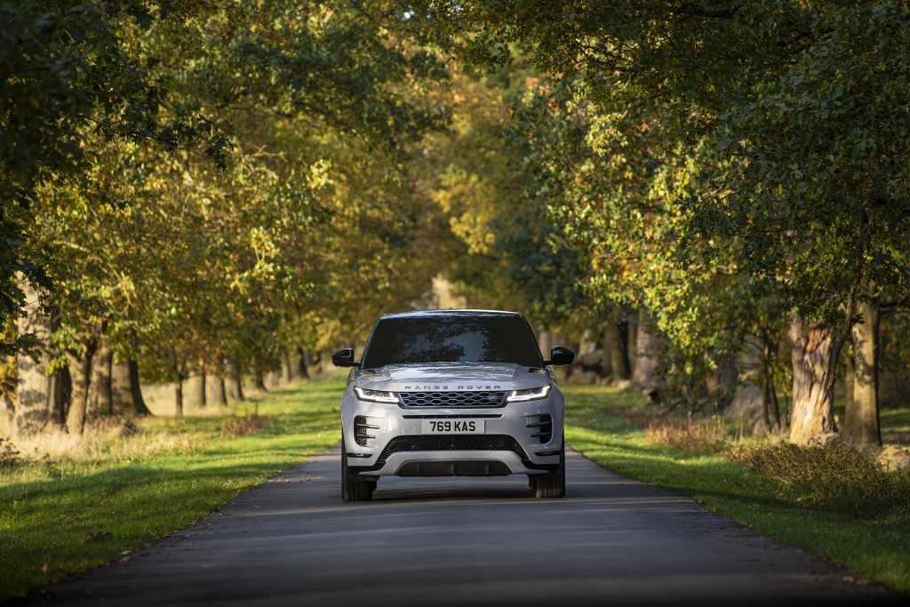 Dupla da Land Rover recebe motorização híbrida plug-in