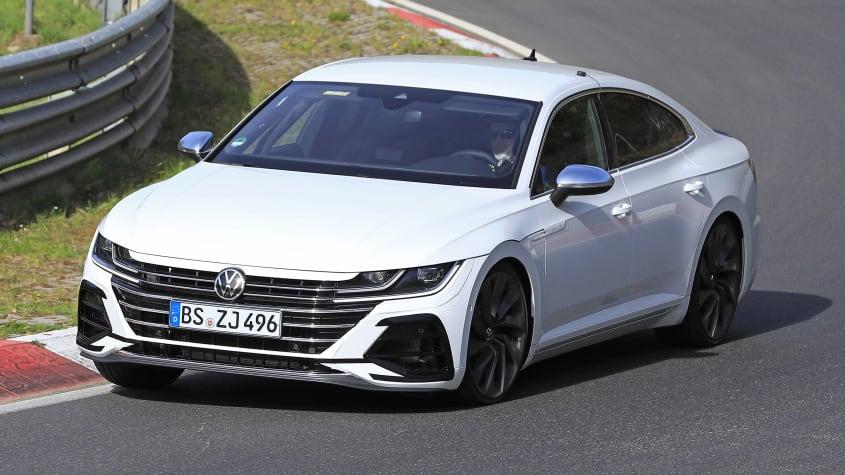 Volkswagen levou três novos R a passear no circuito de Nurburgring