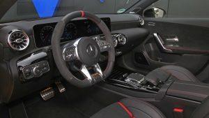 Mercedes-AMG A45 modificado supera os 300 km/h