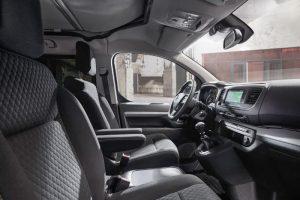 Opel Zafira Life transformada em autocaravana por especialistas